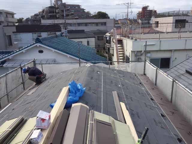 軽量屋根吹き替え工事